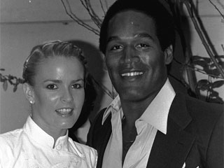 "<div class=""meta image-caption""><div class=""origin-logo origin-image ""><span></span></div><span class=""caption-text"">Former football star O.J. Simpson and future wife Nicole Brown get together at party Monday night, May 6, 1980 in Beverly Hills. (AP Photo/Nick Ut)</span></div>"